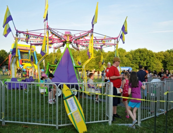 Dixie Twister aka Flying Swings
